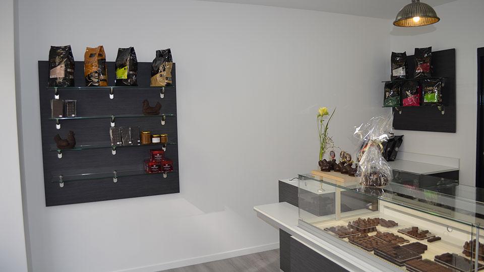 Vitrine Pâtisserie et Chocolaterie  <br> Nos réalisations / Vitrine Chocolaterie Roy / 14