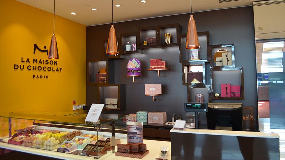 Vitrine Pâtisserie et Chocolaterie  <br> Nos réalisations / Vitrine La Maison du Chocolat / 6