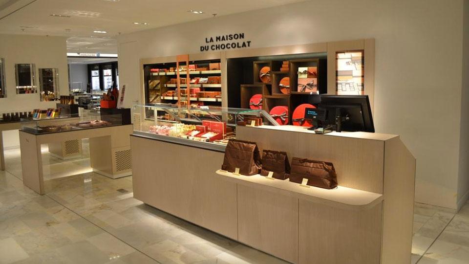 Vitrine Pâtisserie et Chocolaterie  <br> Nos réalisations / Vitrine réfrigérée La Maison du Chocolat / 11