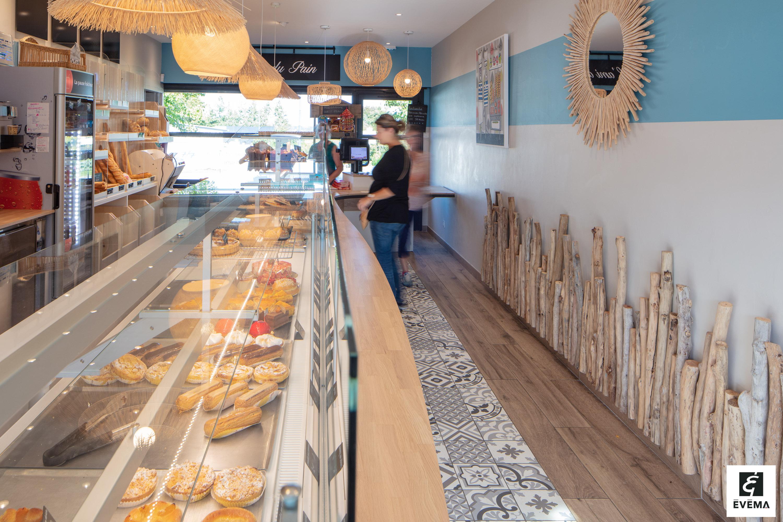 Réalisations vitrines Boulangerie – Pâtisserie / Vitrine Boulangerie L'ami du pain / 4