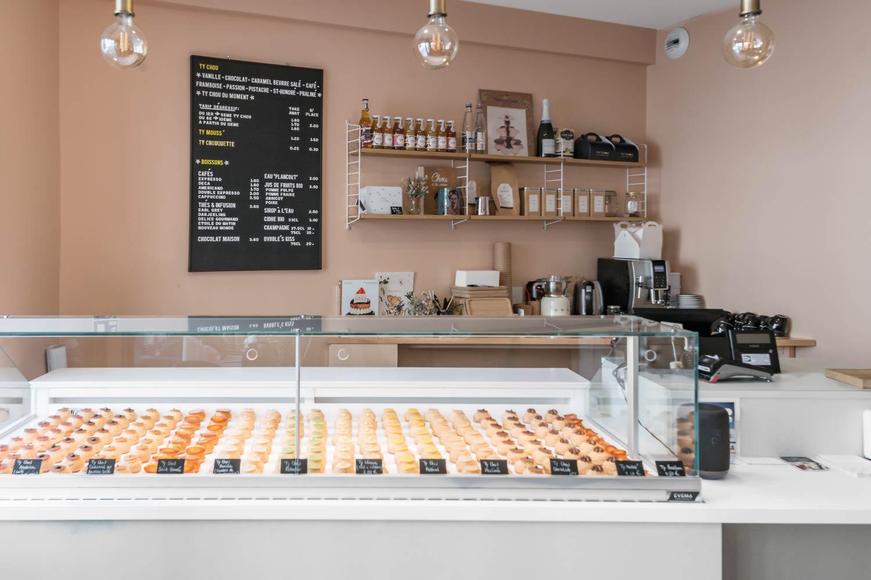 Vitrine Pâtisserie et Chocolaterie  <br> Nos réalisations / Vitrine réfrigérée, comptoir, caisse - Pâtisserie - Ty Chou - Rennes / 5